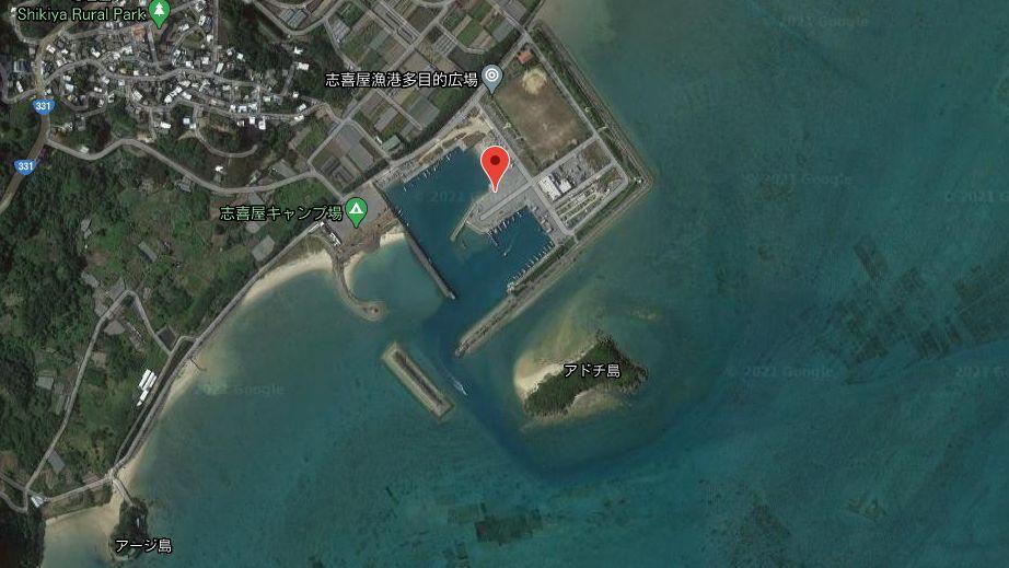 志喜屋漁港-全体像