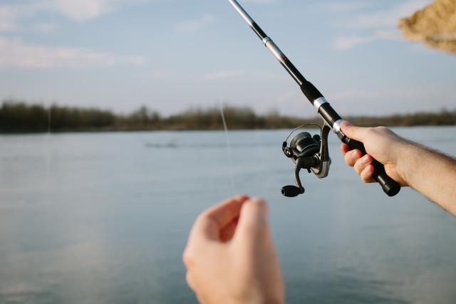 釣りをしているイメージ写真