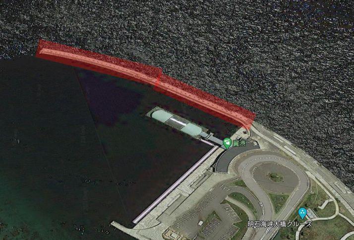 翼港の防波堤