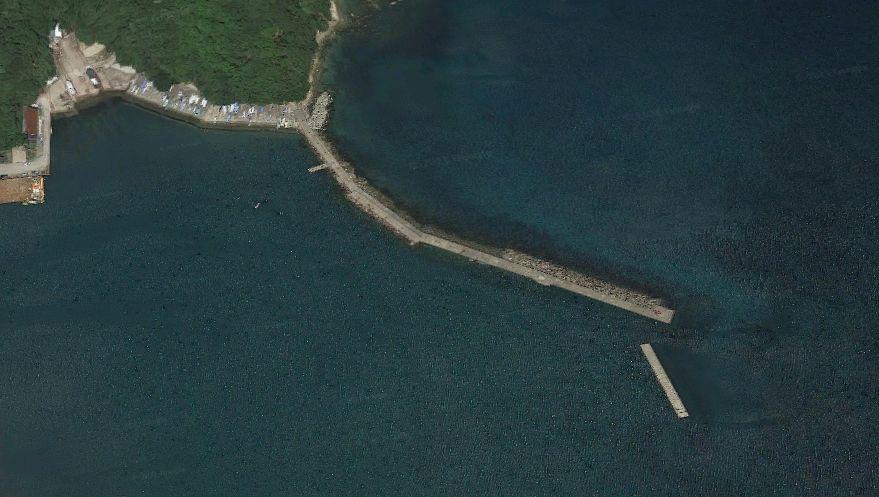 柴山港-赤灯台の波止