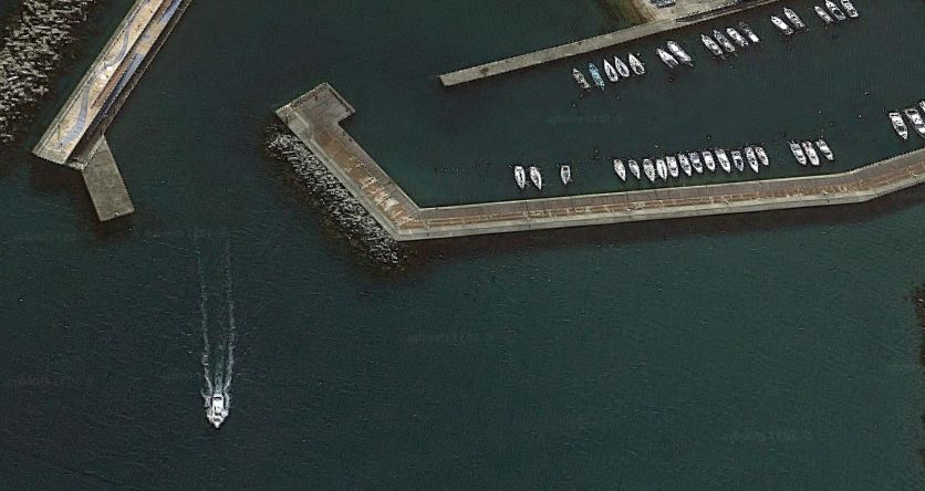 前原フィッシャリーナ-北側の防波堤