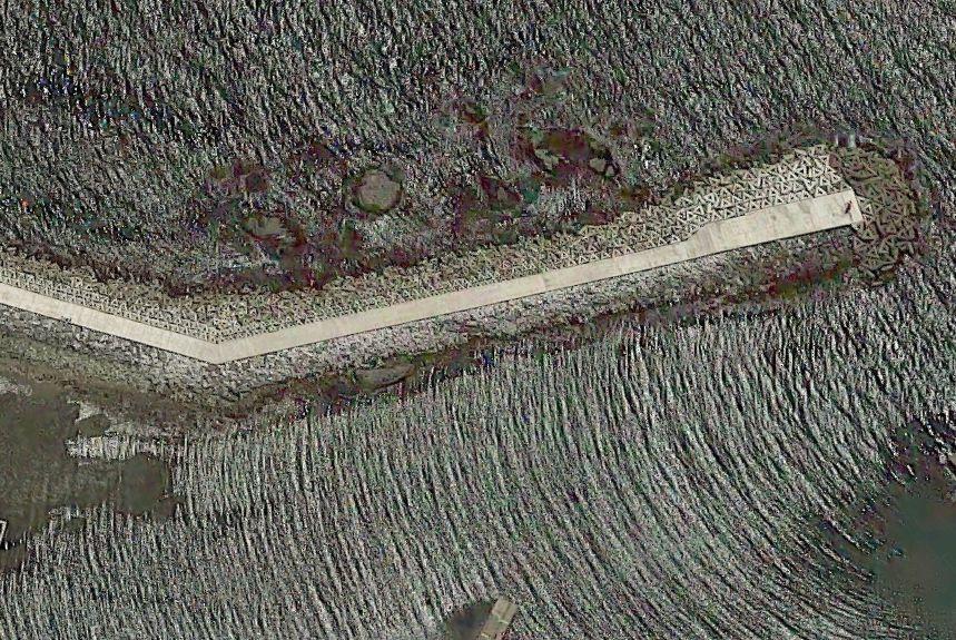 平磯港-北東側から伸びる長い防波堤