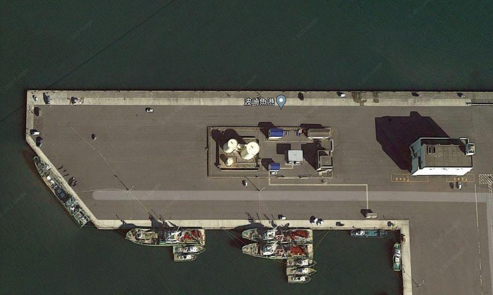 波崎新港-風車のある南東側の堤防