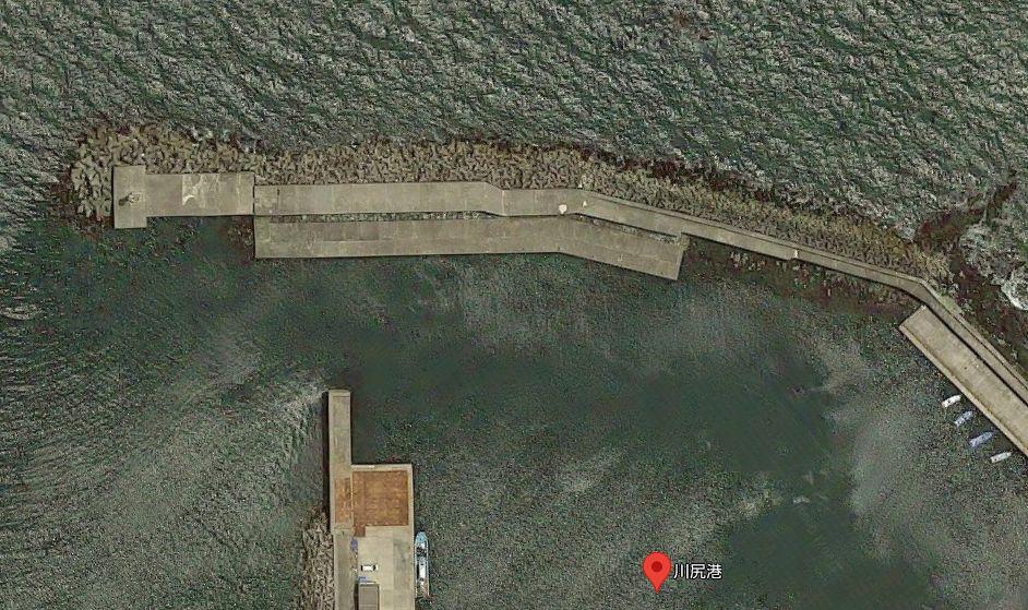 川尻港-南側から伸びる長い防波堤