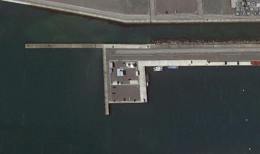 大津港-港内の突堤(西側)