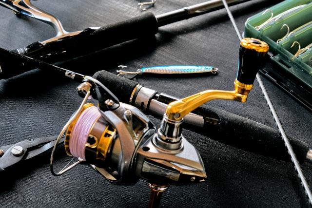 釣り竿とリール