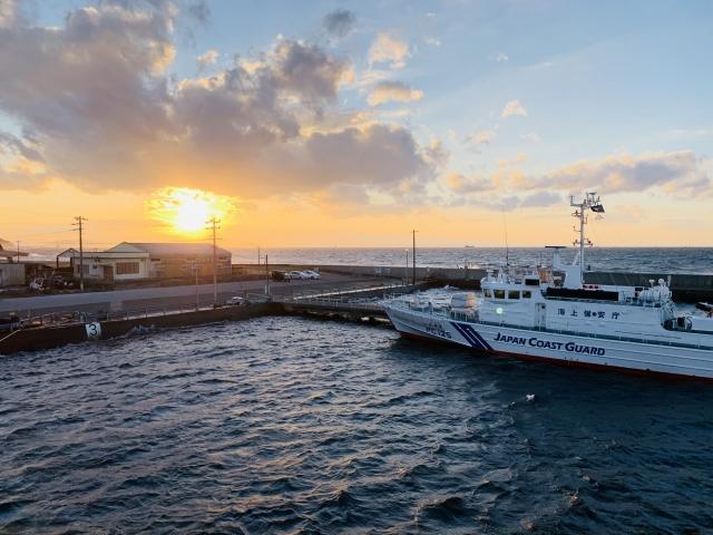 伊良湖港と夕日