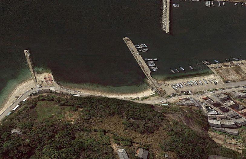 大井漁港-①北側エリアの護岸と防波堤