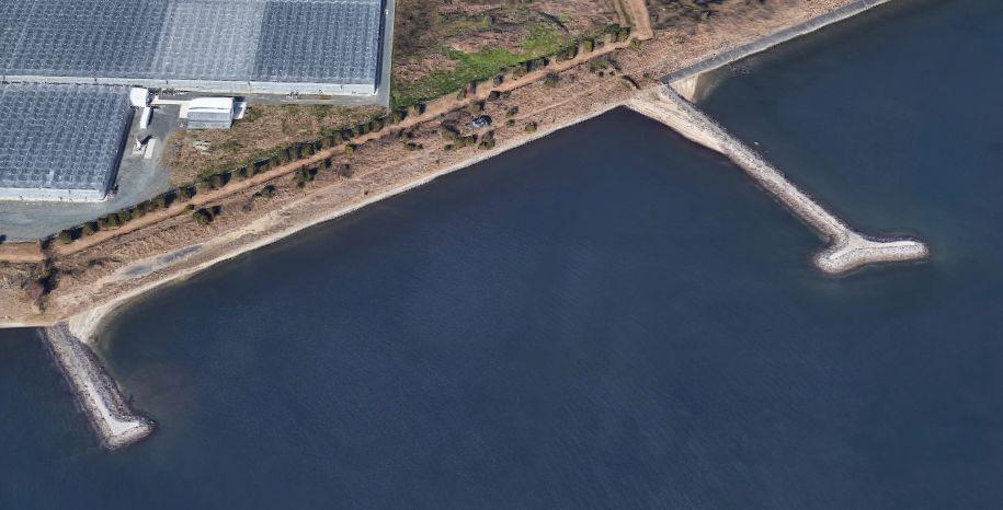 豊川浄化センター埋立地-南東側にある突堤付近