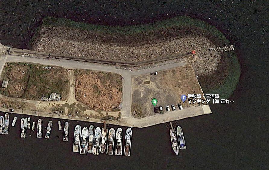 大井漁港-赤灯台の防波堤