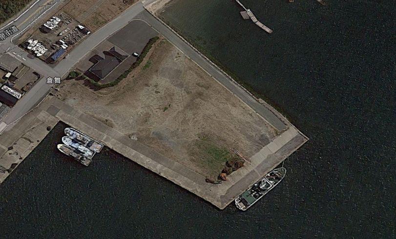 倉舞港中央付近の突堤