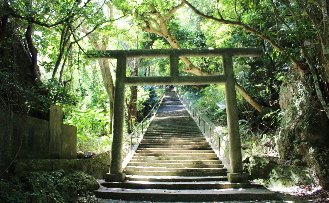 シルミチュー霊場へと続く階段